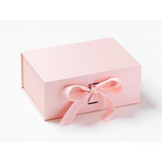 Presentbox med band Ljusrosa 23,5 x 17 x 10 cm