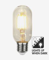 Star Trading Smart LED-lampa med skymningssensor E27 2100K 290lm 4W (28W)