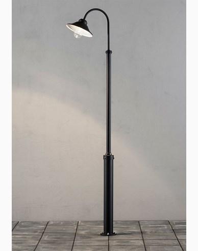 Konstsmide Vega stolplykta 8W dimbar LED inkl. stolpe Svart. 563-750