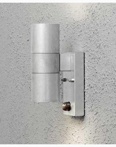 Konstsmide Modena vägglampa upp/ned rörelsesensor. 7542-320. Galvanisert