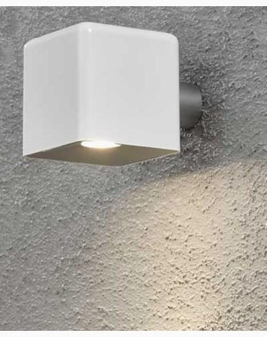 Konstsmide Amalfi vägglampa 3W 12V vit plast ink trafo + sladd. 7681-200