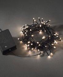 Ljusslinga 80vv LED skymnrelä/timer 6/9h svart kabel. Batteridriven, 2xLR20