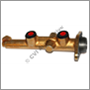 Brake master cylinder 200 (outlet RHS)