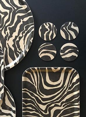Brickor i zebramönster