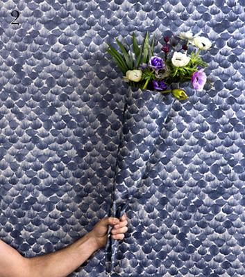 Mönstrad tapet i blått - Poppy - Från Mimou