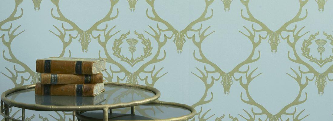 Modern medaljongtapet - Deer damask - Från Barneby Gates