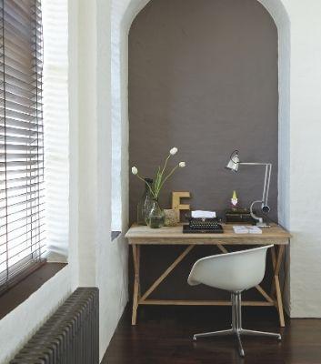 Inreda kontor med textilier, solskydd och ljuddämpade gardiner