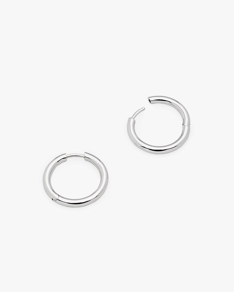 Tom Wood Classic Hoop Earrings Medium Silver
