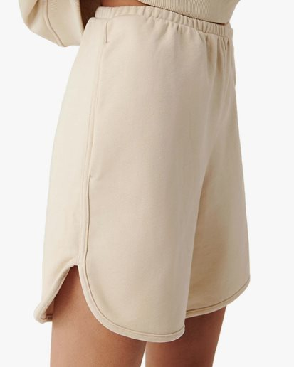A Part Of The Art Allure Shorts Cream