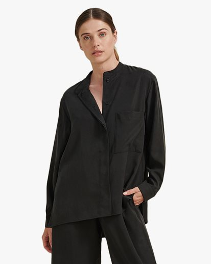A Part Of The Art Airy Shirt Black