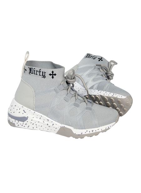 Dirty Sneakers, Grå