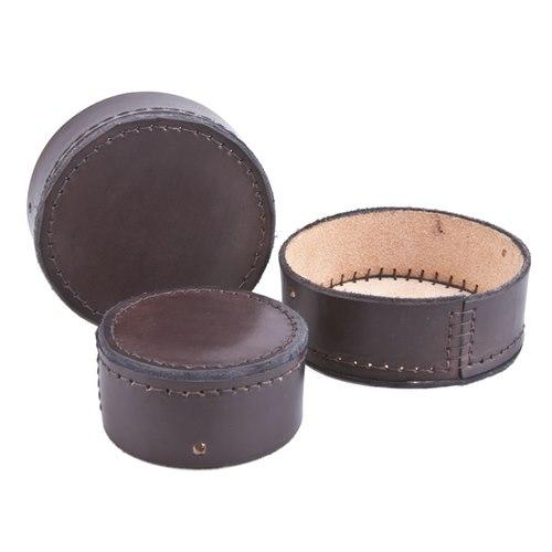 Linsskydd i läder för tubkikare. Medium Ange modell